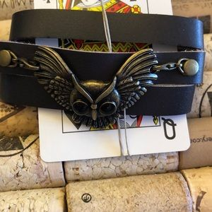 Jewelry - Leather wrap bracelet with bronze owl 🦉